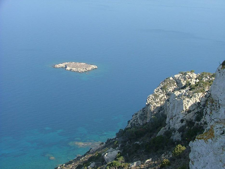 Agios-Giorgios-islet-in-the-Akamas-Great-place-for-diving