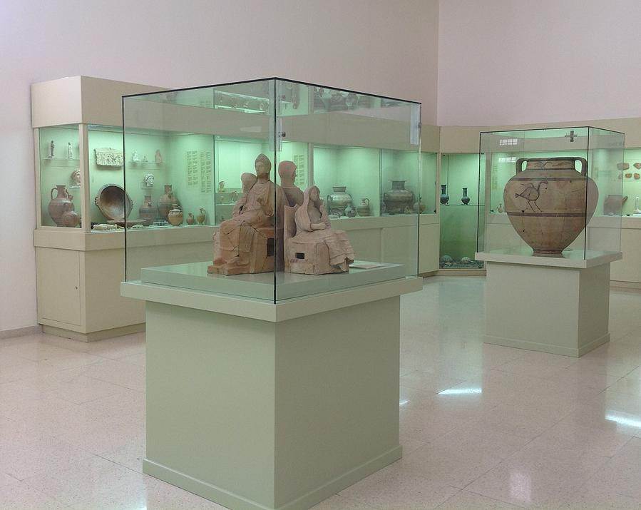 Artefacts-in-the-Polis-museum