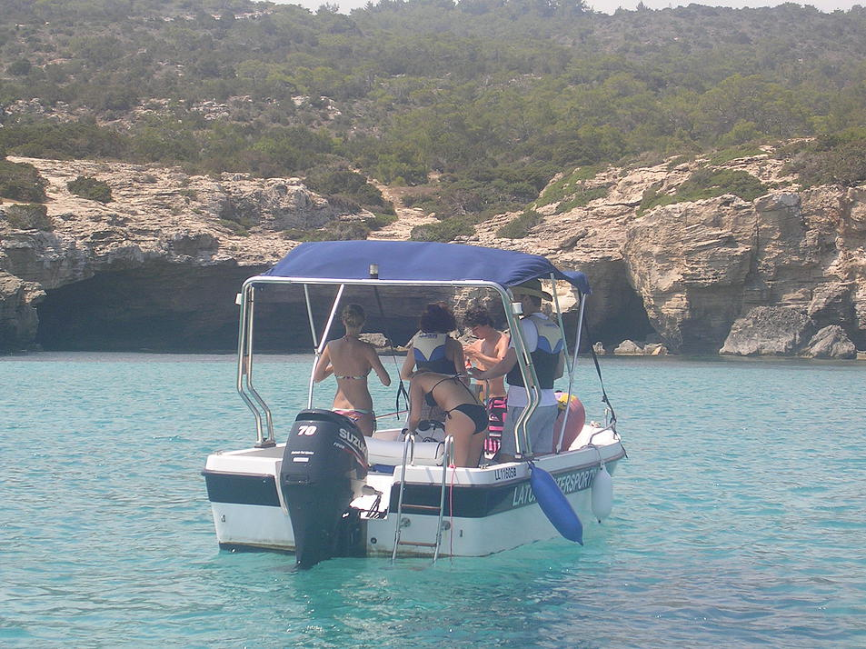 Boat-rides-in-the-Akamas