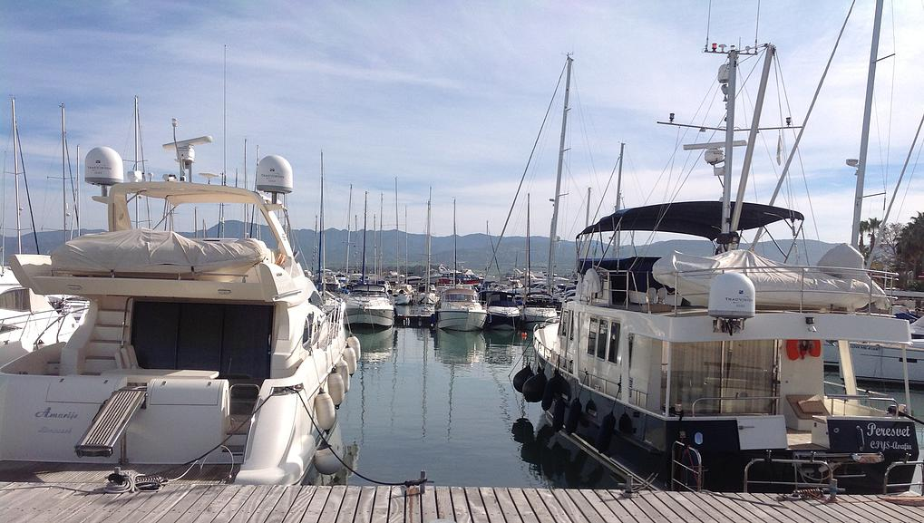 Facilities-for-luxury-yachts